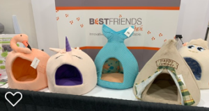 funny cat beds at SuperZoo 2019