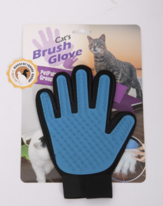 Grooming gloves for shedding in cats